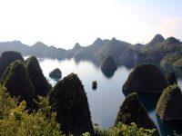 Surga Kecil yang Turun ke Bumi itu Bernama Pulau Wayag