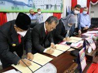 Rapat Paripurna DPRD Kepri Mengesahkan APBD 2021 Sebesar Rp3, 986 triliun