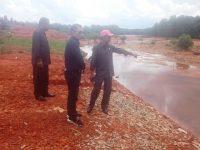 Komisi III DPRD Kota Tanjungpinang Tinjau Penimbunan Mangrove di Sungai Carang