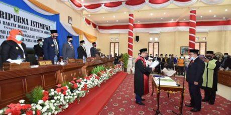 Ketua DPRD Natuna Daeng Amhar Resmi Diambil Sumpahnya Menggantikan Koleganya Andes Putra
