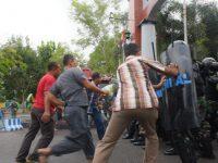 Ratusan Pendemo Serang Lantamal IV, Tim Dakhura Diterjunkan