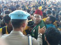 Ratusan Mahasiswa Lakukan Aksi Demo di Halaman Kantor DPRD Provinsi Kepri