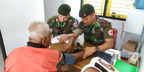 Peringati HUT Ke-15 Satgas Yonif RK 136/TS, Melaksanakan Upacara Mengenang Jasa Para Pahlawan Hingga Gelar Klinik Mobile