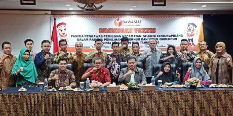 Ketua Bawaslu RI Abhan, Memotivasi Panwascam Se-Kota Tanjungpinang yang Terpilih