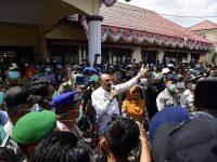 Masyarakat Melakukan Aksi penolakan Observasi WNI dari Wuhan, Bupati Natuna Menjawab?