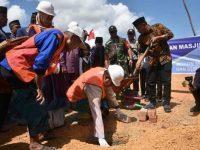 Bupati Bintan Memulai Pembangunan Masjid Raya di Kecamatan Mantang