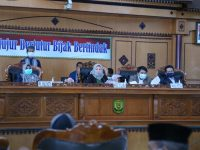 Paripurna DPRD Plt. Walikota Tanjungpinang Jawab Pandum Fraksi tentang LKPJ 2019