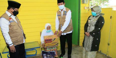 Plt. Gubernur H Isdianto Serahkan Bantuan Penanganan Covid-19 Untuk Pemko Tanjungpinang