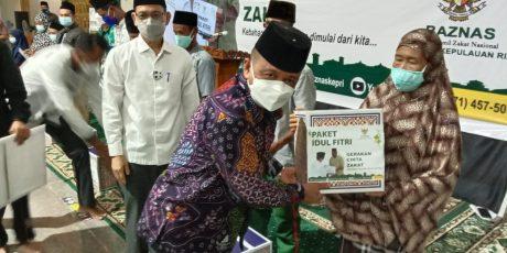 BAZNAS KEPRI Salurkan Paket Idul Fitri Kepada Lansia, Duafa Yatim dan Imam masjid