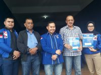 Hamid Rizal Menyerahkan Formulir Pendaftaran Bakal Calon Pilgub Kepri 2020 ke Sekretariat DPD Partai Demokrat Kepri