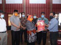 Pemko Tanjungpinang Salurkan Bantuan Sembako Ke Masyarakat